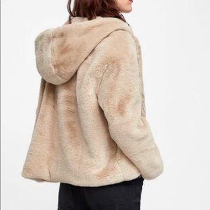 Zara Cream / Beige Faux Fur Hooded Coat / Jacket